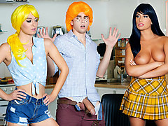 Betty & Veronica in Betty & Veronica: An Archie Comics XXX Parody - DigitalPlayground