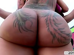 Hot kinky babe Bella flaunts off her ass for anal fuck