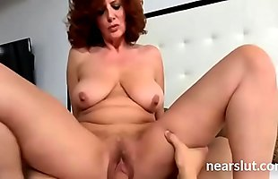 My stepmom screaming while I fuck her in pussy hard