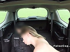 perfect ass babe doggy banged in car