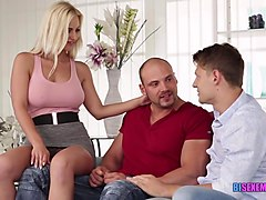 Enjoy a bisexual fun with the Blonde