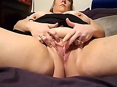 BBW Soaking Wet: G-Spot Toy Orgasm