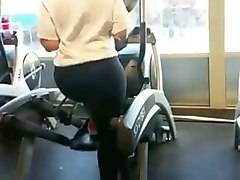 Super Thick Bubble Butt Gym Babe in Spandex