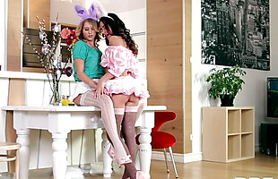 Bunny Sex - Lesbian Babes With Cram Their Tasty Snatches Wit