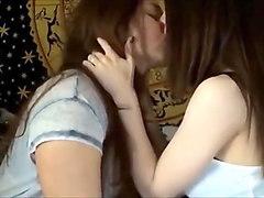 kissing girls soft and satsfyng