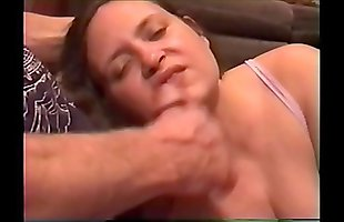 Amateur porn actress Laura in home made video getting facial
