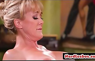 Brandi Love &amp_ Jill Kassidy - Bigtits milf gets her pussy eat by a hot lesbo masseuse
