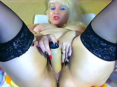 russian blonde mature masturbation