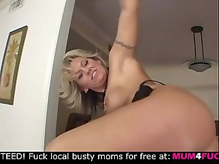Horny mature mom wants anal and then sperm on her face