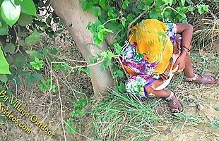 Indian Hot bhabhi enjoyed with her devar in Outdoor Village Outdoor
