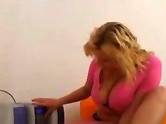 Busty Czech Sophie Mei Does Sexy Dancing