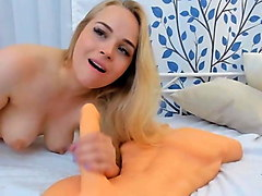 cute hot blonde fucks her yummy pussy