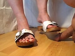 Shoejob with wood shoe