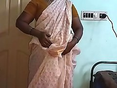 Indian Hot Mallu Aunty Nude Selfie And Fingering For  father in law