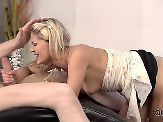 OLD4K. Older dad knows how to behave with beautiful young girl