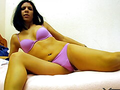 Susi Xsmall Webcam - Hot Brunette plays with her big Pussy