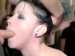 Initiation dune jeune Gothique Punk