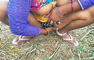 देसी भाभी की  जंगल मे चुदाई हिन्दी मे अश्लील
