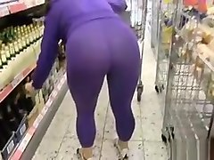 shopping in a transparent leggins