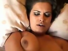 my sexy gf makes a lot of noise when we have sex in bed