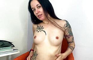 French girl strip tease - Thong - Vends-ta-culotte