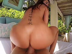 petite hottie riley reid shows off her booty and gets laid in hot pov clip
