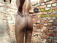 Full HD Hindi Video New Indian Outdoor Bath Mms Desi Outdoor Sex Village Outdoor
