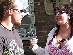 BBW tourist is picked up by street hooker