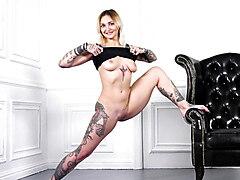 Hot gymnastics with Bassza Meg