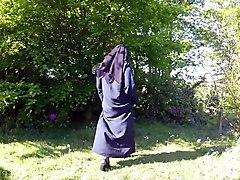 muslim burqa niqab stockings outdoors flashing