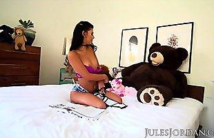 Jules Jordan - Gina Valentina Hot Latina Teen Loves Being A Puta