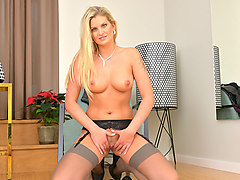 Samantha Snow in Sexy Shoes - Anilos