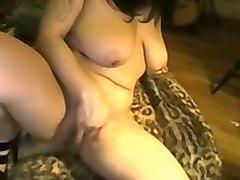 bbw webcam hoe fingering her pierced wet pussy hole