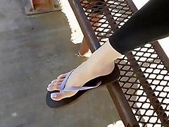 emily, spread, toes, spreading
