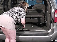 big melons woman fucked at work