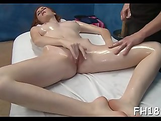 Mouthwatering booty babe Dee Dee Lynn gets python instead of dildo